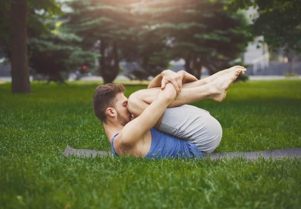 C'è uno yoga per ogni problema: le posizioni addatte ai tuoi disturbi